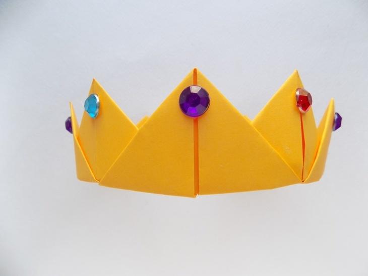 Как сделать корону из бумаги