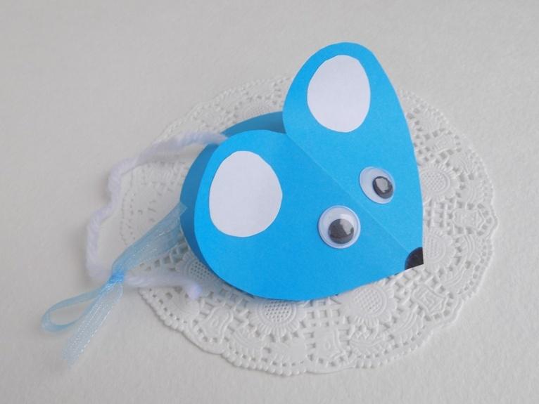 Простые поделки с детьми. Мышка из цветной бумаги