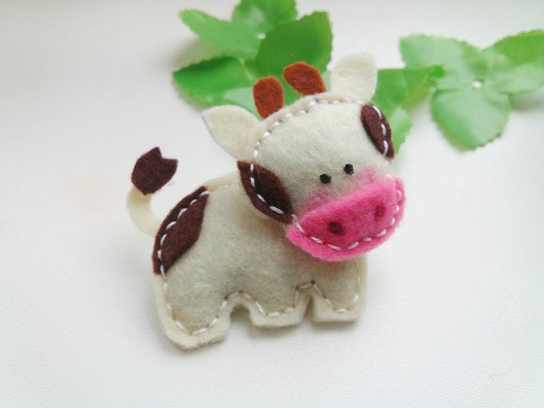 Как сшить корову из фетра