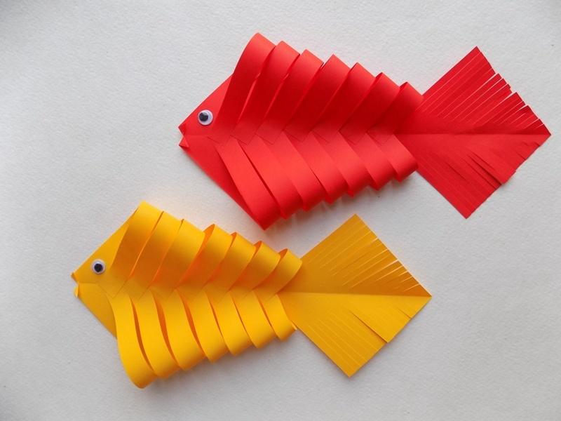 Простые поделки с детьми. Рыбка из бумаги