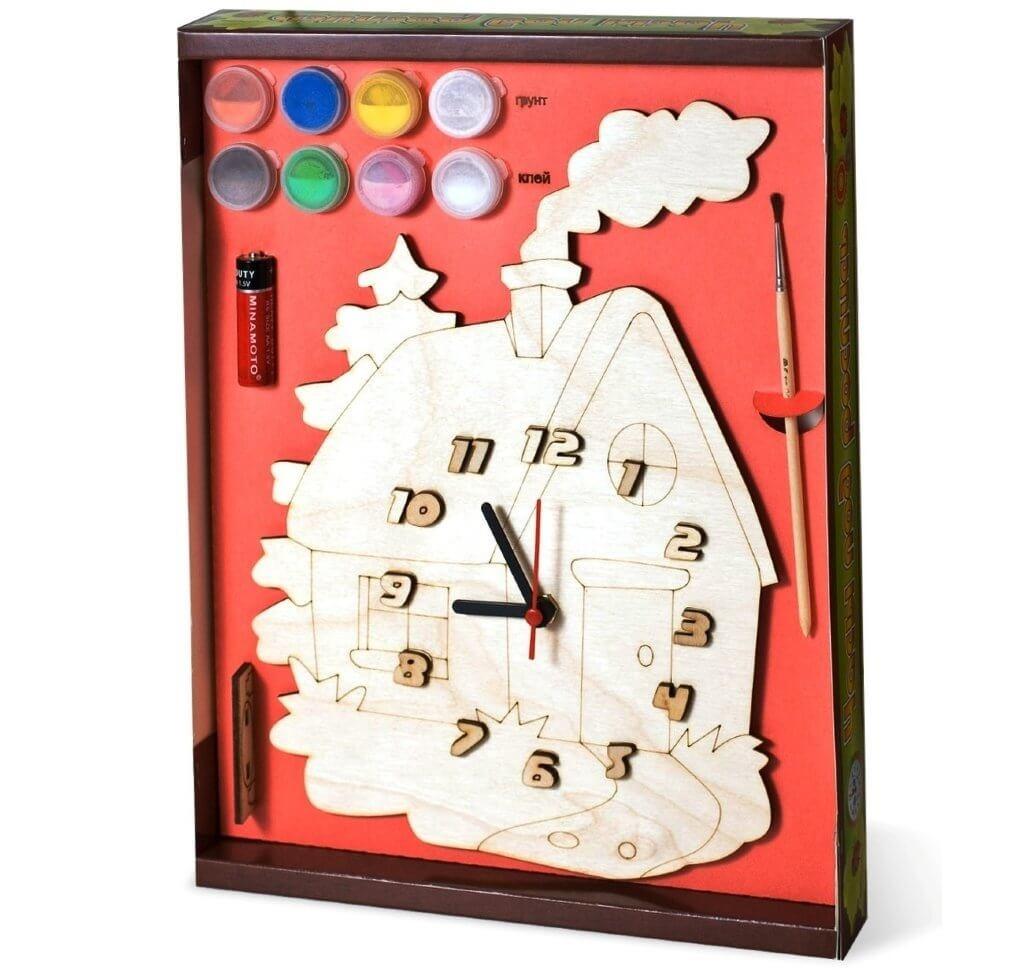 Часы с циферблатом под роспись Домик