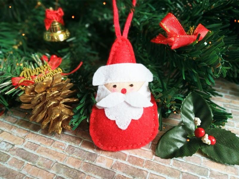 Как сшить новогоднюю игрушку из фетра Дед Мороз
