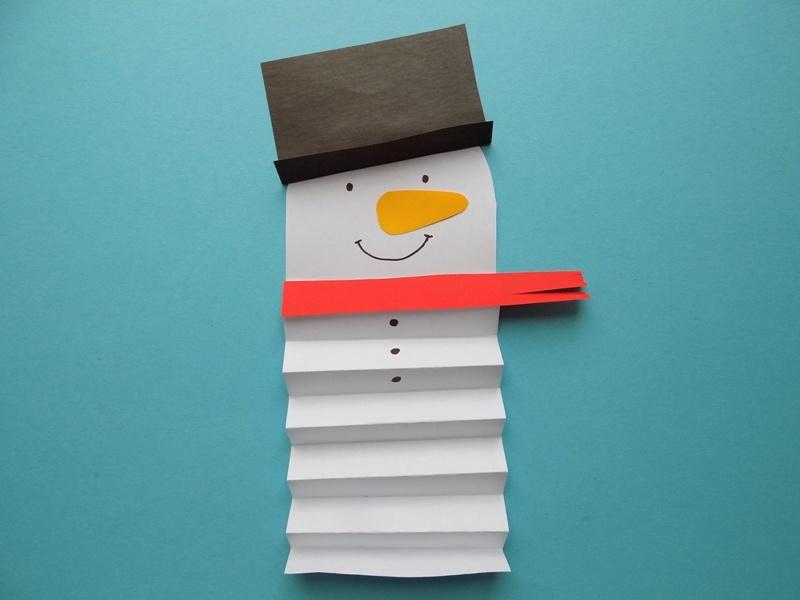 Простые поделки с детьми. Снеговик из бумаги