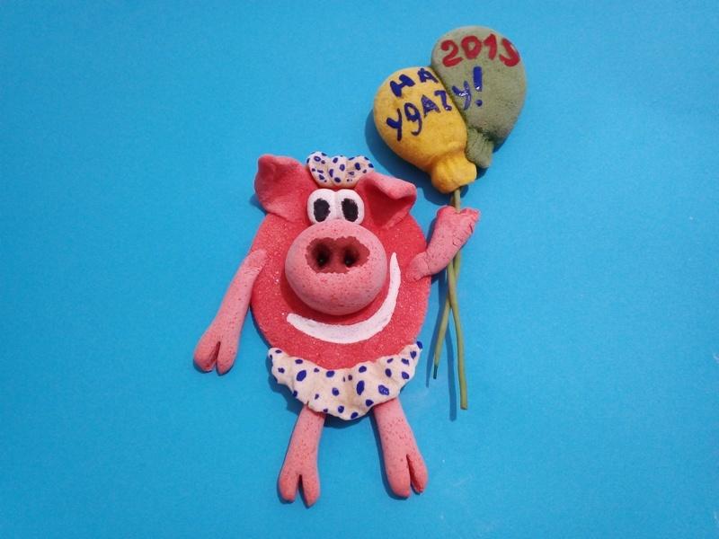 Как сделать магнит из теста Свинка с шариками
