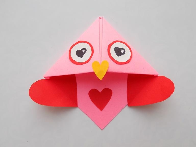 Как сделать закладку-валентинку из бумаги