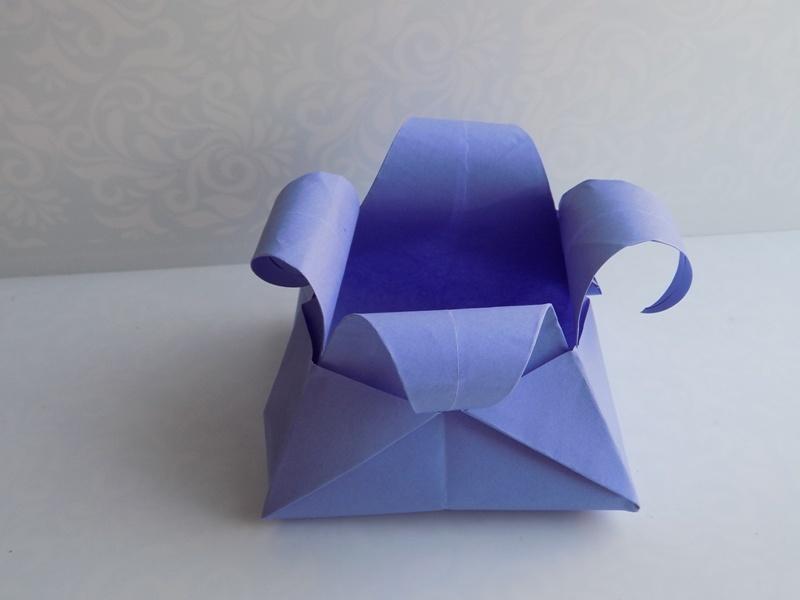 Как сделать вазу в виде цветочка из бумаги