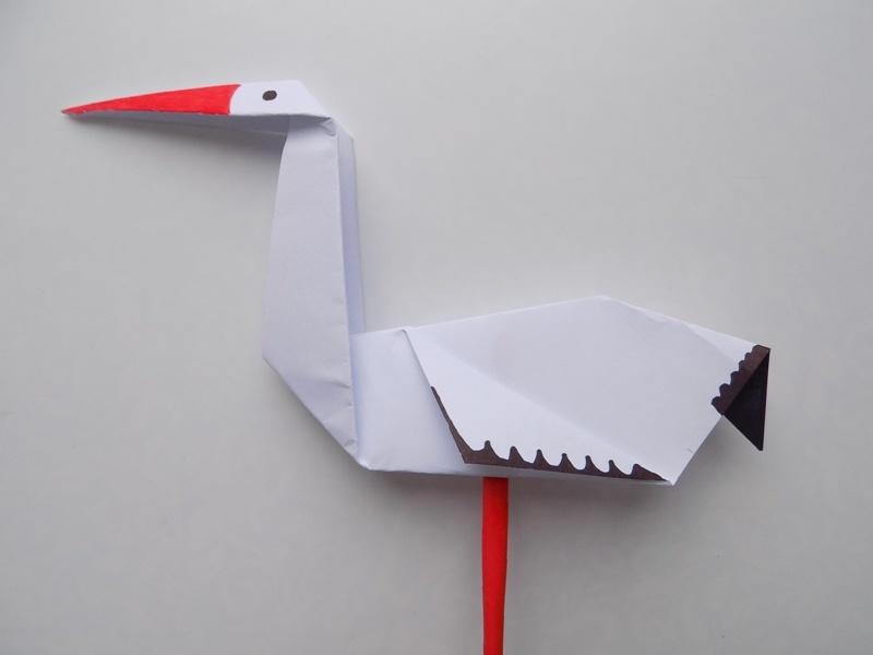 Простые поделки с детьми. Как сделать аиста из бумаги в технике оригами