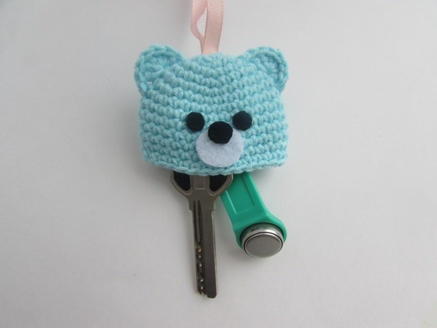 Как связать крючком ключницу в виде медвежонка