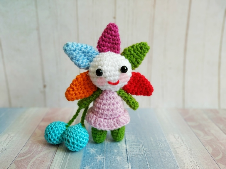 Как связать крючком куколку в виде цветка