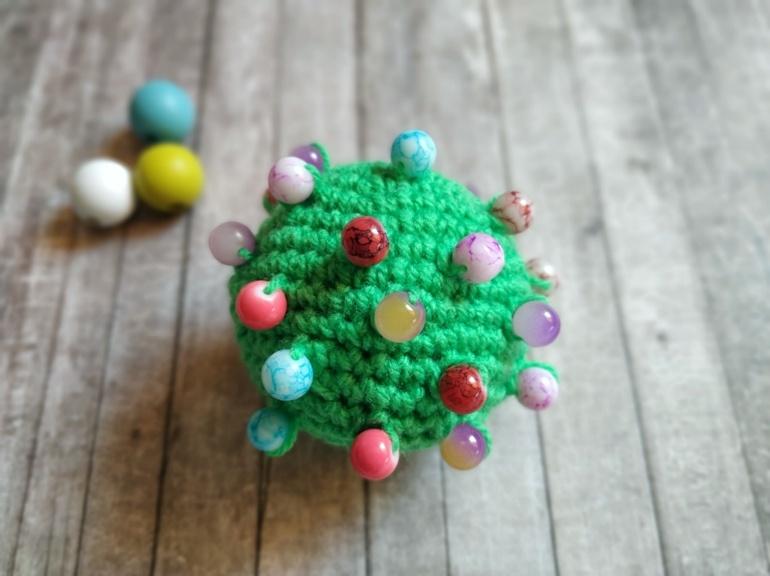 Как связать крючком развивающую игрушку Тактильный мячик