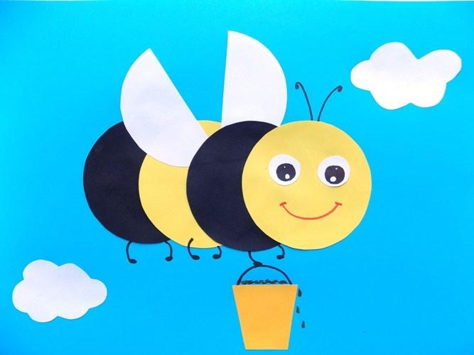 Простые поделки с детьми. Аппликация Пчёлка с мёдом