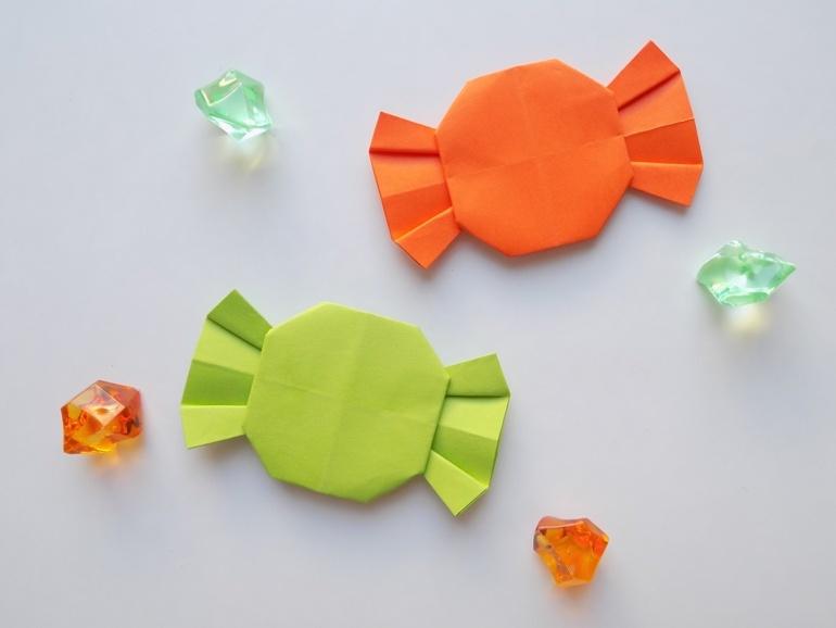 Как сделать конфету из бумаги в технике оригами