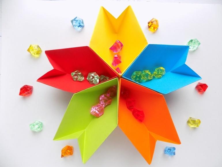 Как сделать органайзер из бумаги 5 цветов