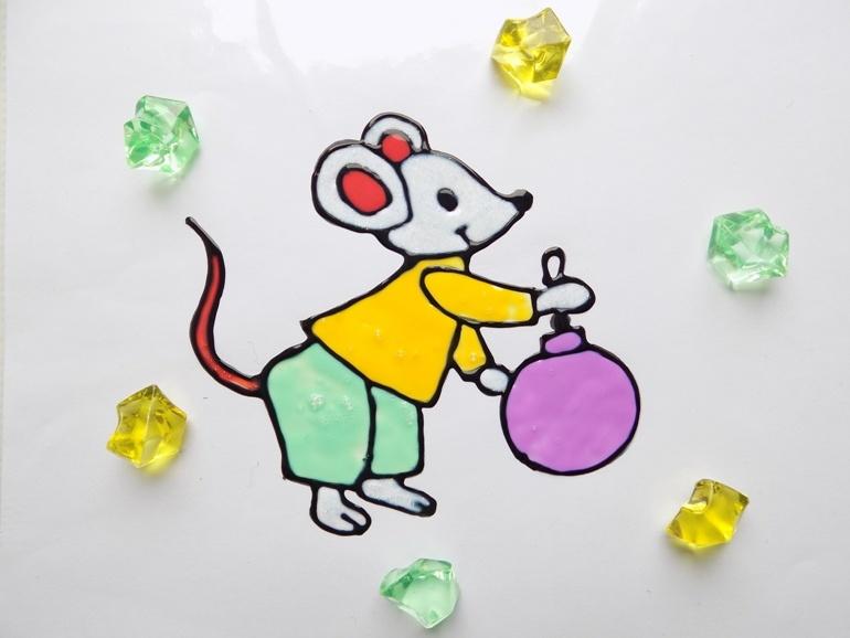 Как сделать съёмную аппликацию Мышка витражными красками