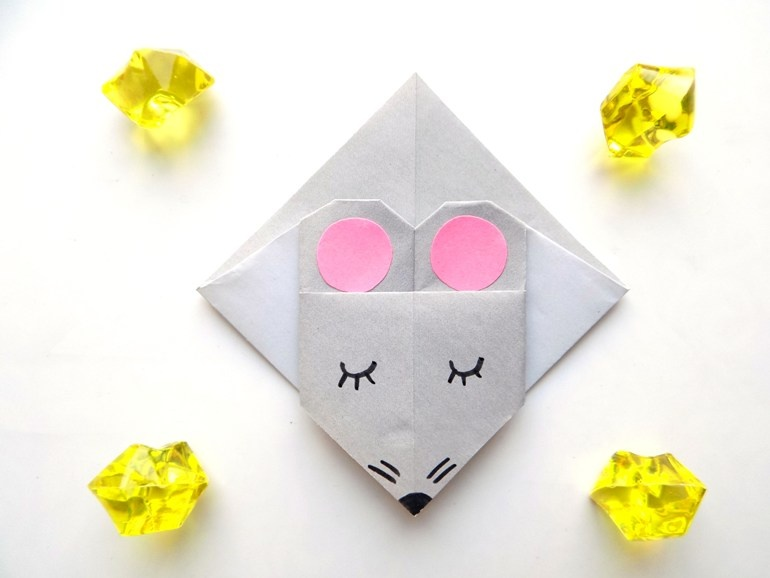 Как сделать закладку для книг в виде мышки из бумаги