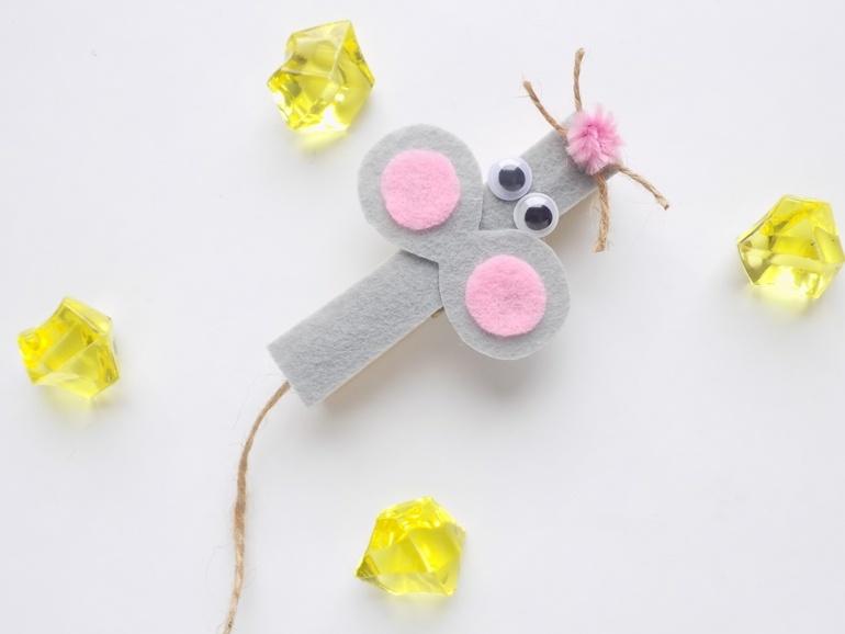 Простые поделки с детьми. Мышка из прищепки и фетра