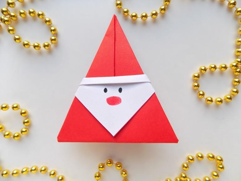 Как быстро сделать Деда Мороза из бумаги