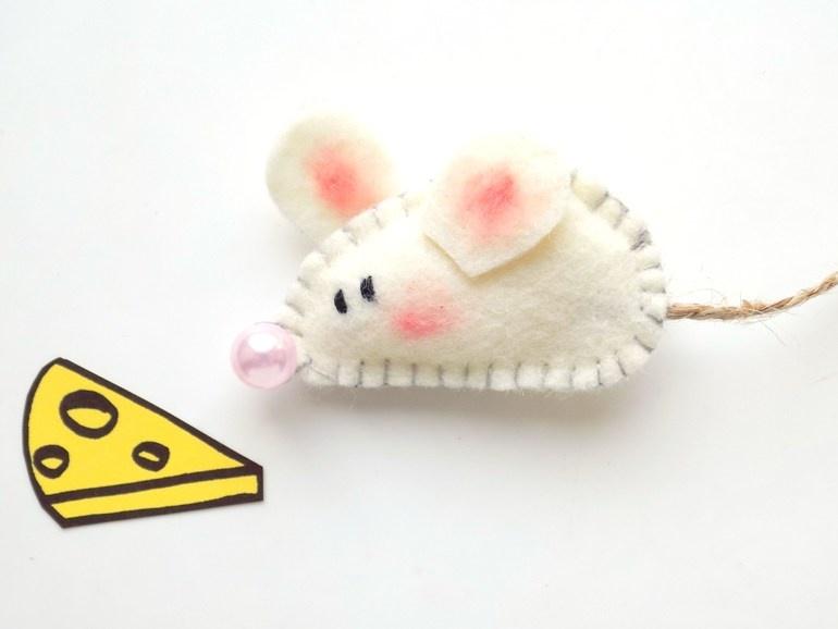 Как сшить мышку из фетра