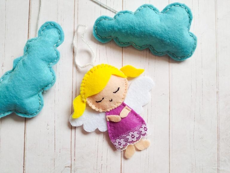 Как сделать ёлочную игрушку из фетра «Ангелок»