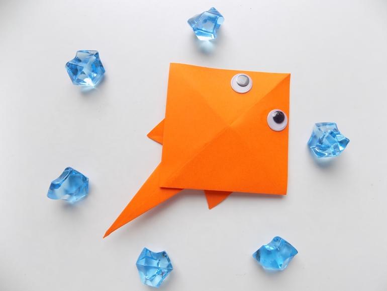 Оригами для малышей. Как сделать ската из бумаги