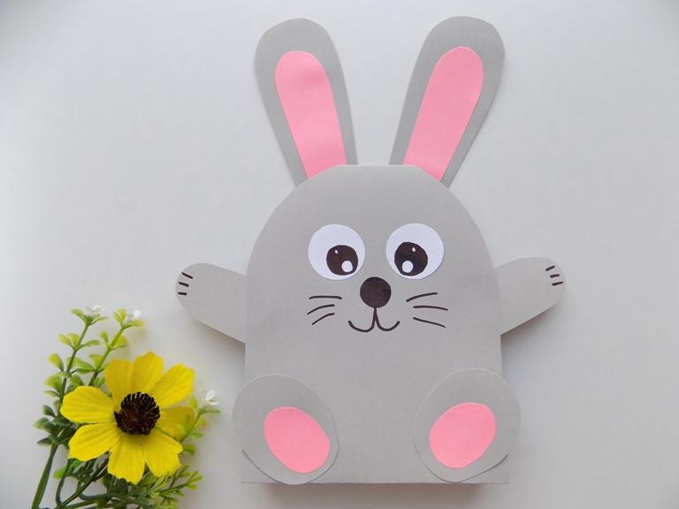 Простые поделки с детьми. Как сделать зайца из бумаги